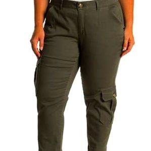 NWT Democracy Plus Size Cargo Pants